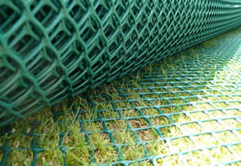 Grassmesh protecting the ground