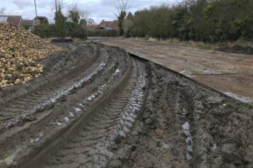 Heavy duty trackway for sugar beet lorries