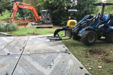 Heavy duty trackway used for telecommunications construction